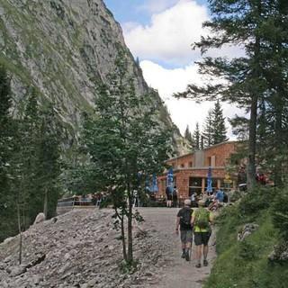 Die letzten Meter zur neuen Hütte.