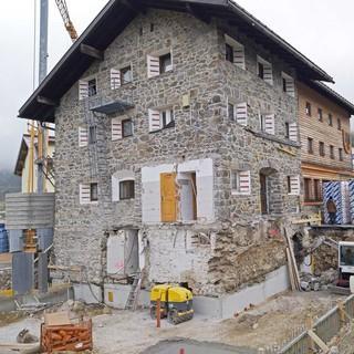 Umfangreiche Arbeiten an der Dortmunder Hütte, Foto: DAV Sektion Dortmund