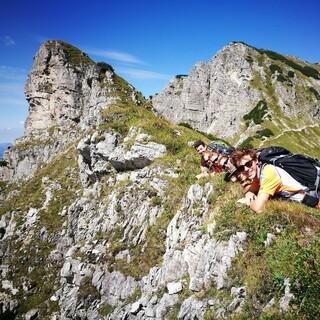 Sich mit der Höhe zu konfrontieren, kann ein Weg sein, Höhenangst zu überwinden. Foto: JDAV/Solveig Michelsen