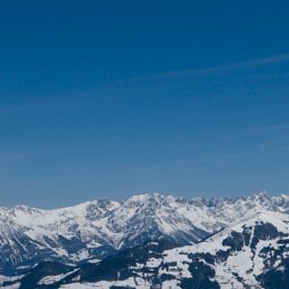 Panoramablick - Von wegen einsam: Blick vom Feldalphorn Richtung Wilder Kaiser