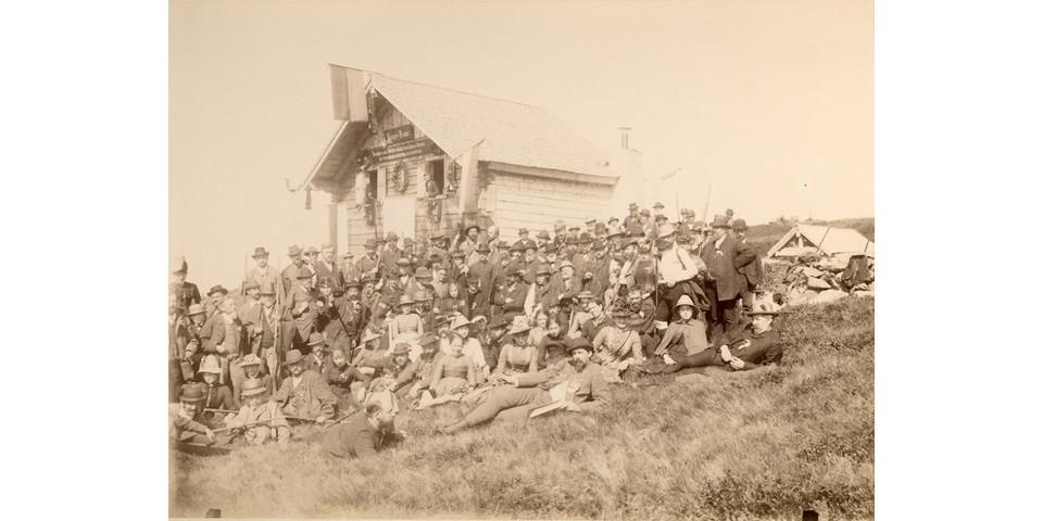 Einweihung der Linzer Hütte (heute: Radtstädter Hütte), 1887. Archiv des DAV, München