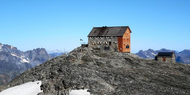 Hochstubaihütte mit Winterraum, Foto: DAV Sektion Dresden / Egon Höller