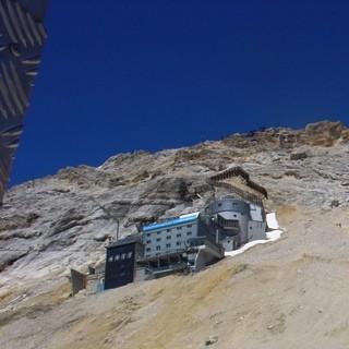 Gipfelflanke - Der Schlussanstieg zum Gipfel ist immer noch 400 Höhenmeter lang. Wer hier müde ist oder in Schlechtwetter gerät, sollte besser die Seilbahn von Sonnalpin zum Gipfel nehmen.