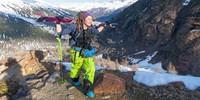 Frühjahrstouren beginnen oft mit einer gewissen Trageeinheit, auch die Toptour zur Weißkugel. Foto: Markus Stadler