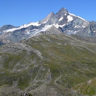 Großglockner und Glorer Hütte - Solche Bilder wie der Glockner hinterder Glorerhütte bleiben lange im Gedächtnis.