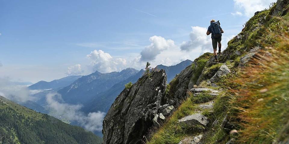 Steig von der Milderaunalm über den Ring mit schönen Ausblicken über das Stubai. Foto: Stefan Herbke