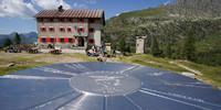Das Rifugio Laghi Gemelli wurde nach dem Zweiten Weltkrieg neu er- und seitdem mehrfach umgebaut. Foto: Joachim Chwaszcza