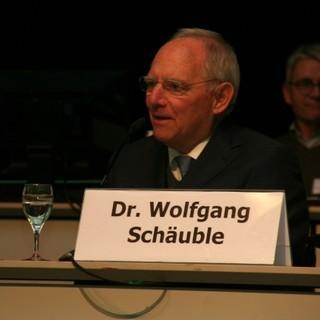 Dr. Wolfgang Schäuble spricht sein Grußwort