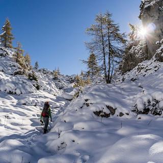 Im Frühwinter kann man Wandern und Skitourengehen – wenn Erfahrung, Ausrüstung und Bedingungen stimmen. Foto: franzguentner.de