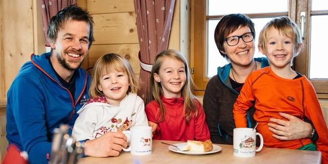 Die Wirtsfamilie Erd,  Bildrechte: Martin Erd