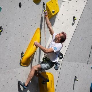 Sebastian Halenke führt im Halbfinale. Foto: DAV/Marco Kost