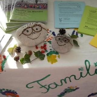 Familienarbeit-MonikaGlasl2012.jpg