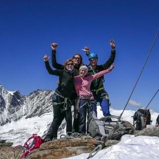 Hochtourengruppe am Gipfel, Foto: JDAV/Christoph Hummel