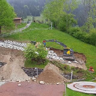 Hangweg zum Hartplatz entsteht, 14.05.2020; Bild: Jubi/ Nico Löder