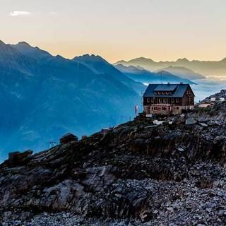 Barmer Hütte am Morgen, Foto: Christof Ursch