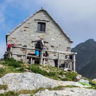 Das Bivacco Scaredi ist der erste Stützpunkt für die Durchquerung des Gebiets. Foto: Stefan Neuhauser
