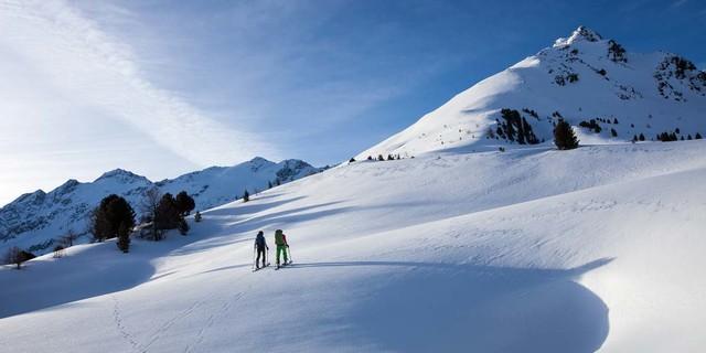 In angenehm sanfter Steigung geht es aufwärts zur Valbenairspitze. Foto: Markus Stadler