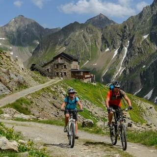 Unterwegs auf dem Mountainbike, Foto: DAV/Wolfgang Ehn