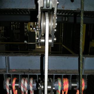 Festigkeitsmessung - Dynamische Festigkeitsmessung von Bandmaterial im Fallturm