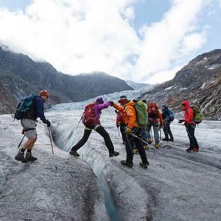 Gut und möglichst sicher am Berg unterwegs: Das geht am besten in einer Gemeinschaft. Foto: DAV/Marco Kost