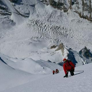 In der Gipfelflanke. Foto: Michi Wärthl