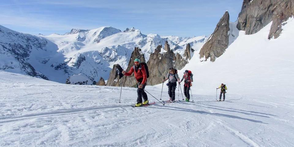 Am Obertaljoch weitet sich der Blick. Foto: Folkert Lenz