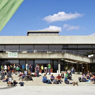 Eingang Hörsaalzentrum - Eingang zum Bundesjugendleitertag 2015, Foto: JDAV/Ben Spengler