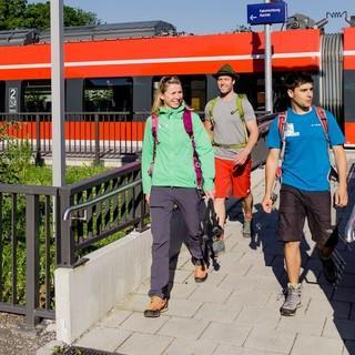 Bahnwandern – die nachhaltigere Alternative. Foto: DAV/Hans Herbig