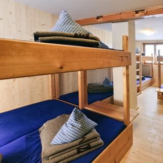 Mehrbettzimmer auf dem Staufner Haus; Photocredit: Martin Erd