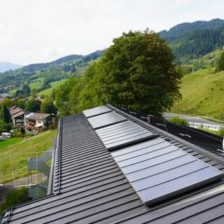 Solarthermie - Anlage auf dem Jubi-Dach; Foto: Jubiarchiv