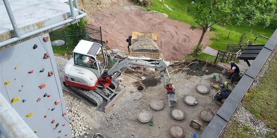 """Umgestaltung Eingangsbereich vor """"Dreckschleuse"""", 20.05.2020; Bild: Jubi/Nico Löder"""