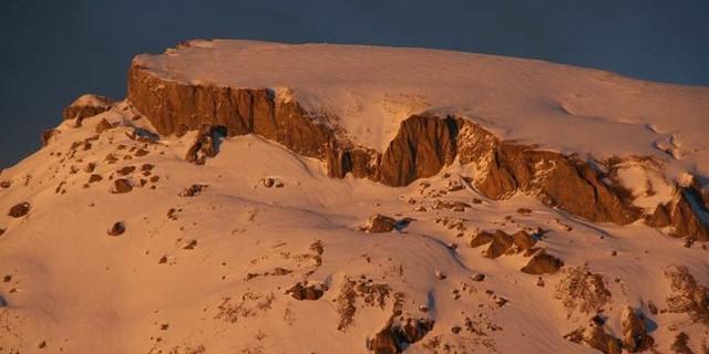 Ifen Westflanke - Nee, nicht Monte Rosa… Die Westflanke des Ifen leuchtet im Abendlicht.