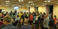 Carmen Wegge moderiert die Tagung und das Speed Dating zum Kennenlernen, Foto: JDAV/ Britta Zwiehoff