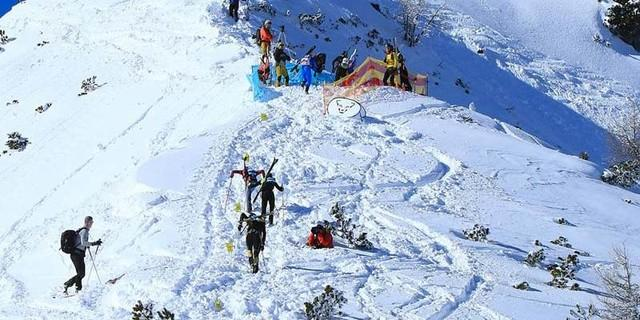 Im Anlauf zur Wechselzone unterhalb des Jenner. Danach folgt die anspruchsvolle Abfahrt durch die Gipfelrinne und den Spinnergraben. Foto: Willi Seebacher