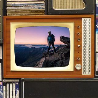 Wer gerade nicht in die Berge kann, schaut sie sich im Fernsehen an. Foto: DAV/Silvan Metz