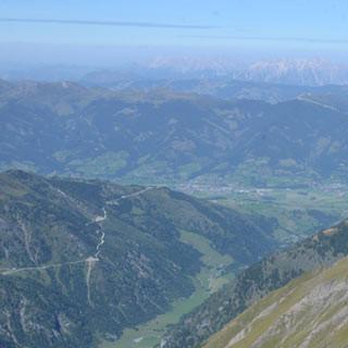 Vom Kempsenkopf zur Gleiwitzer Hütte - Auf teilweise schmalem Grat verläuft der Weg vom Kempsenkopf zur Gleiwitzer Hütte.