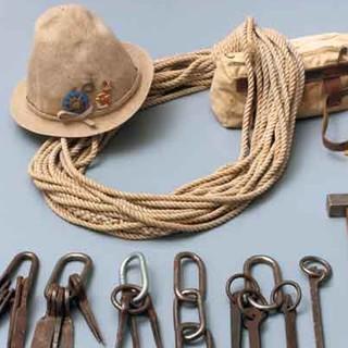 Ausrüstung: Zweckmäßig und langlebig ist das Ziel. Bild: DAV/Archiv