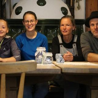 Auf der Barmer Hütte ist die ganze Familie mit Leidenschaft dabei, Foto: Emma Krautgasser
