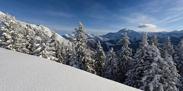 Winterlicher Ausblick vom Kellerjoch nach Süden in den Tuxer Alpen nahe Schwaz, Foto: Wolfgang Ehn