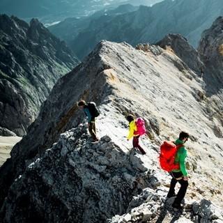 Abstieg - Zu Beginn ist man eher absteigend am Grat unterwegs.