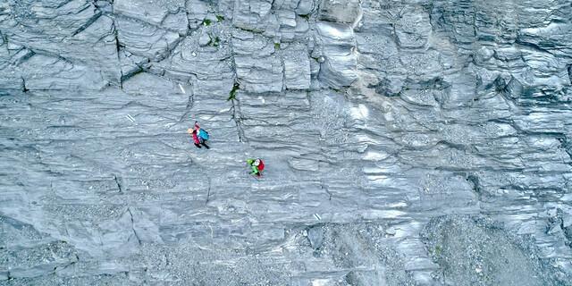 Trittsicherheit ist gefragt auf dem weiteren Weg zum Eigergletscher. Foto: Jochen Schmoll