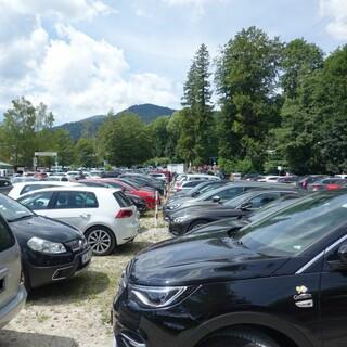 Der Individualverkehr bringt die Wanderparkplätze an ihre Grenzen. Foto: DAV/Andi Dick
