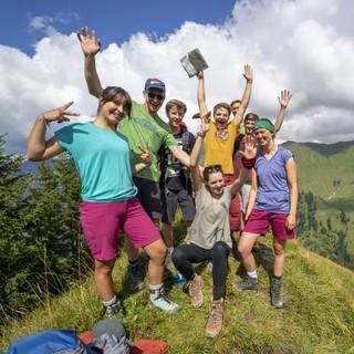 So sieht Spaß in den Bergen aus: ein Gruppenfoto. Foto: JDAV / Silvan Metz