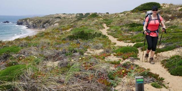 Auf langen Sandpassagen gerät man irgendwann in einen angenehmen Trott, Foto: Jonas Kassner