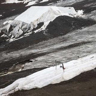 Selbst auf Gletschern besteht im Winter keine Schneesicherheit. Foto: Marko Kost