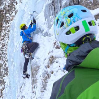 Eisklettern gehört auch zur Ausbildung, Foto: Dörte Pietron