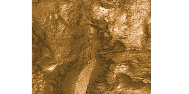Nicht zwingend nötig, aber anschaulicher: Die Berechnung der Hangneigung zeigt die Oberflächenstrukturen des Geländes.
