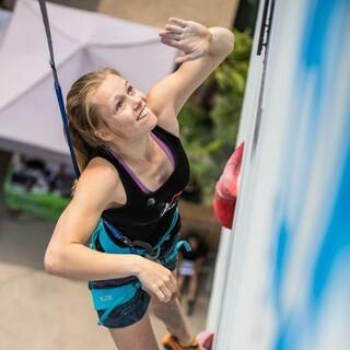 Nuria Brockfeld zählt zu den besten deutschen Speed-Kletterinnen. Foto: DAV/Thomas Schermer