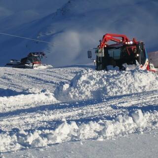 Für Skitourengeher können Pistenraupen gefährlich werden. Foto: DAV/Manfred Scheuermann