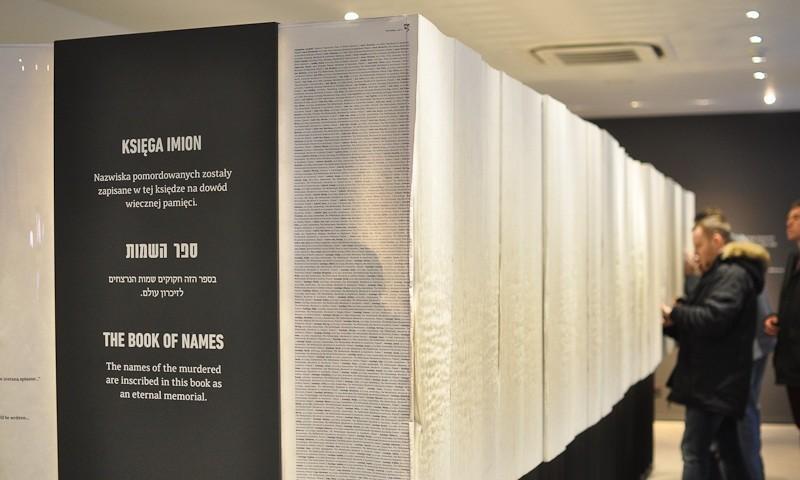 Jüdische Ausstellung: Buch der Namen; (c) Jonas Freihart